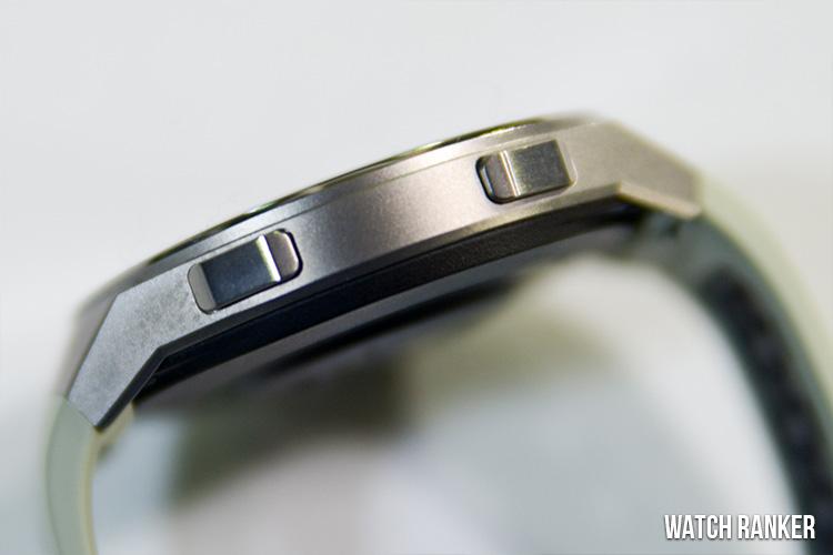 Huawei GT 2e side buttons