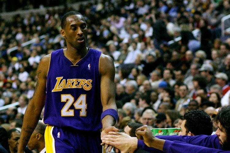 Kobe playing for Lakers