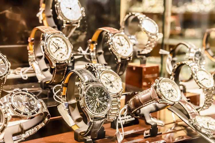 luxury-watch-display